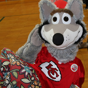 KC Wolf Visits Nelson